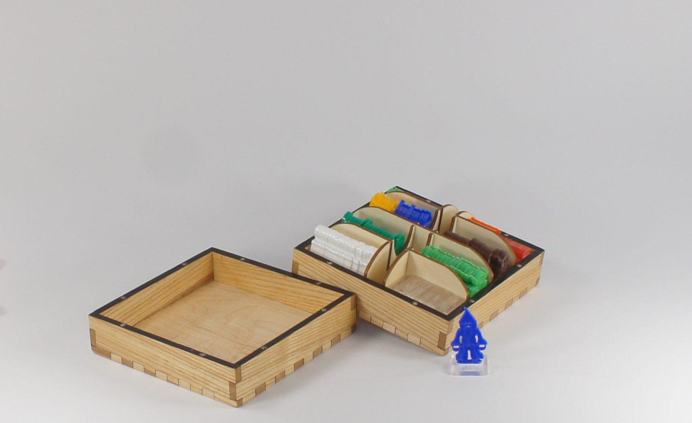 Explorer - 2D Dungeon Flat Pack Miniatures Large Box - Ash Wood