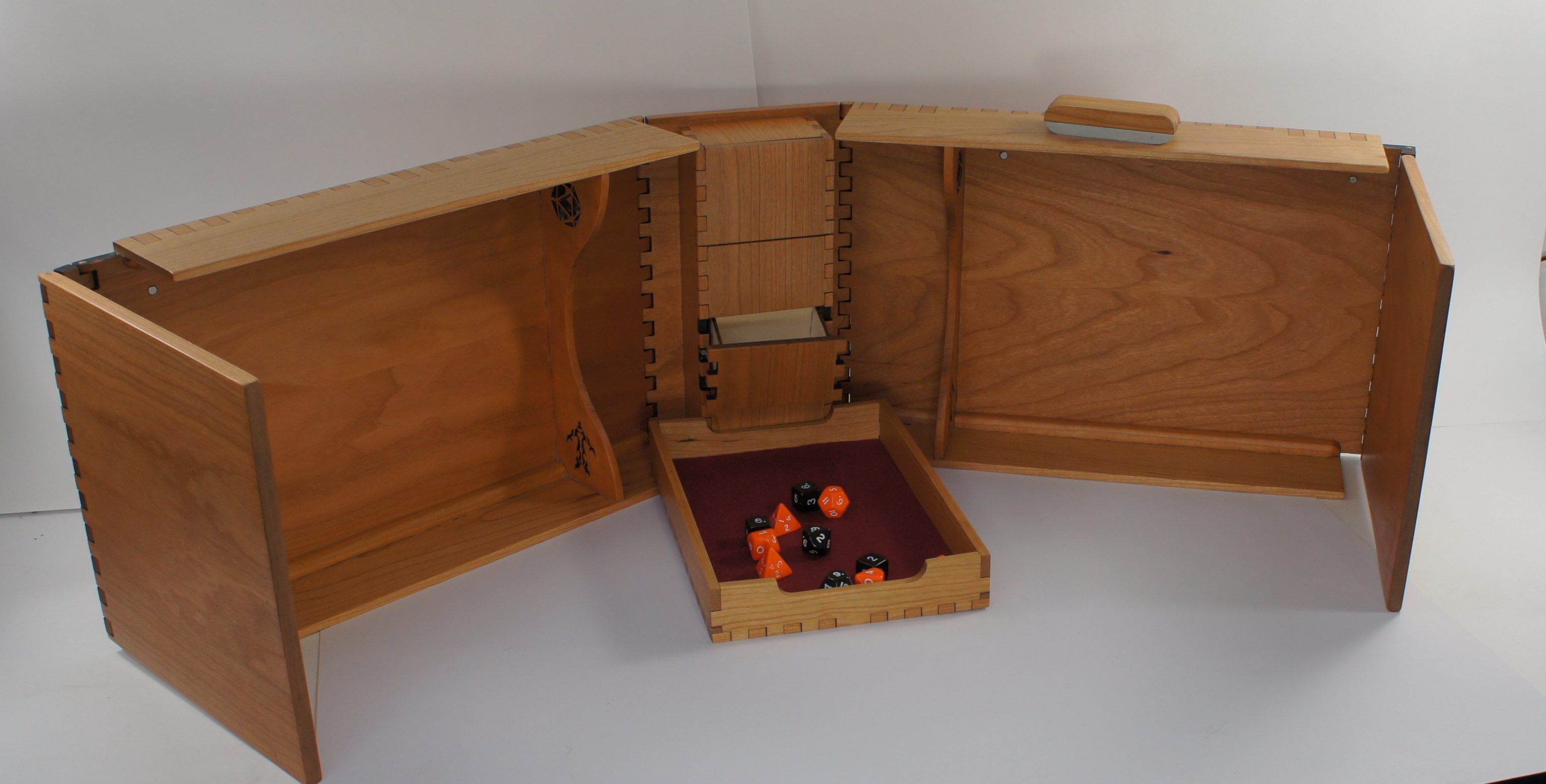 Governor - Dungeon Master/Game Master Screen - Cherry Wood